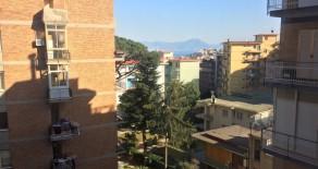 Via San Giacomo dei Capri appartamento 100mq piano alto